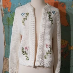 Vintage White Chrocheted Embroidered Sweater